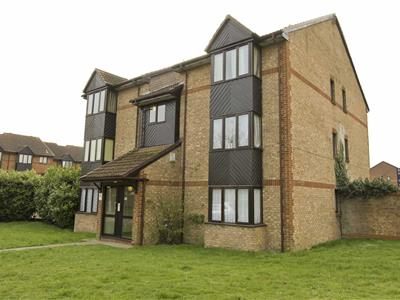 Property image of home to buy in Holly Gardens, West Drayton